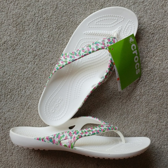 fcb6f6629adee NWT Crocs® Kadee II Wht. Graphic Flip Sandals